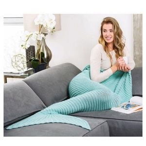NWT Merklet Mermaid Tail Throw Blanket – Aqua